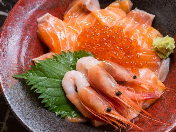 秋鮭の親子海鮮丼